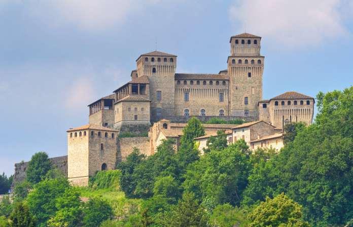 Замок Торрекьяра, Парма, Италия