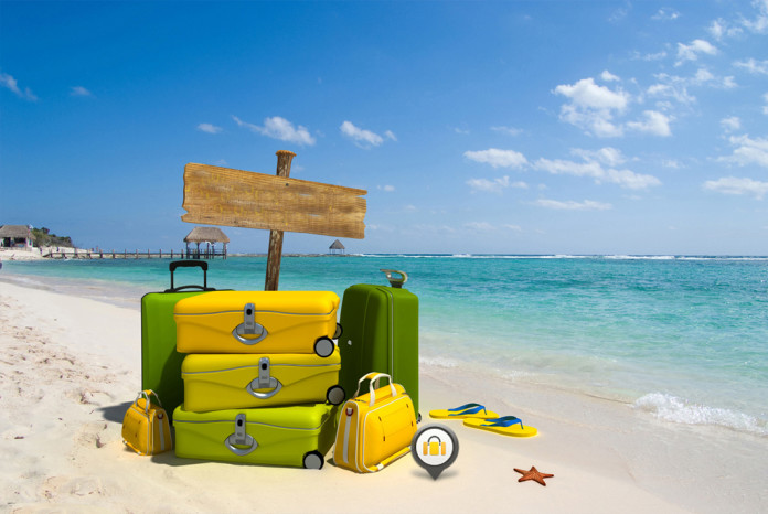 чемодан на море