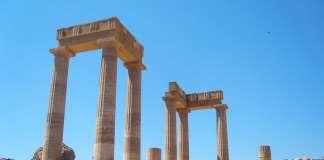 Родос, греческие колонны
