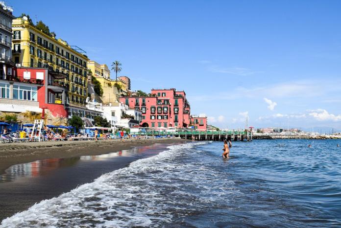 Италия, Неаполь, пляж