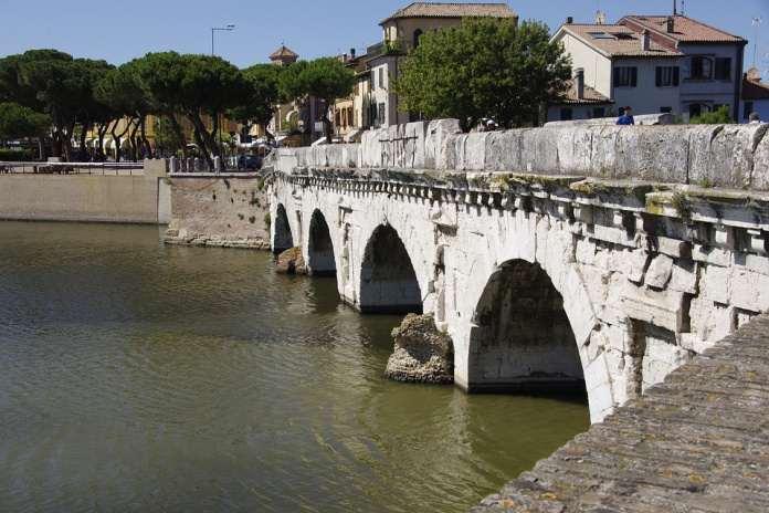 мост Тибериус, Римини, Италия