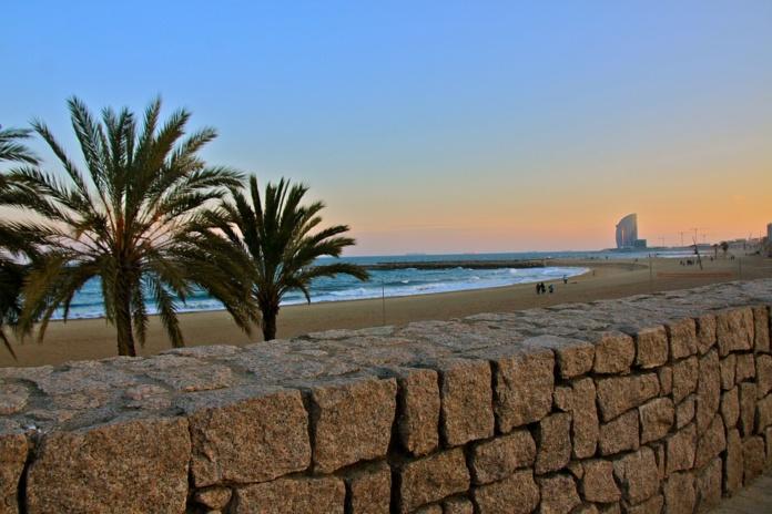 Барселона, пляж, закат