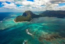 Маврикий подводный водопад
