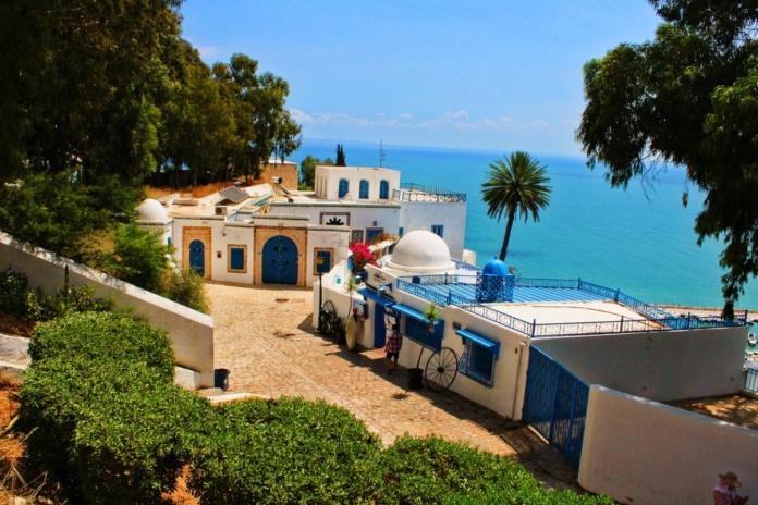 Тунис, голубой город