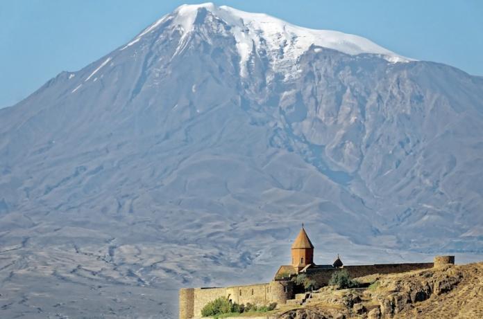 Кавказ, Армения, монастырь в горах